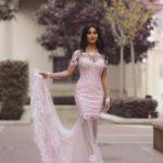 Dugačka roze haljina sa čipkom