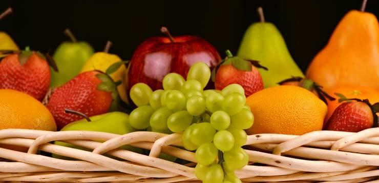 voće u korpi