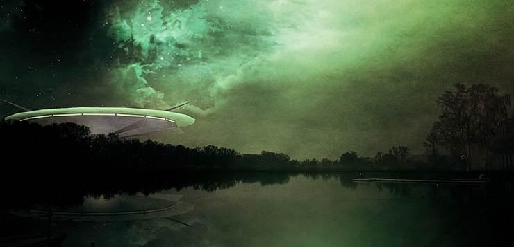 svemirski brod na jezeru