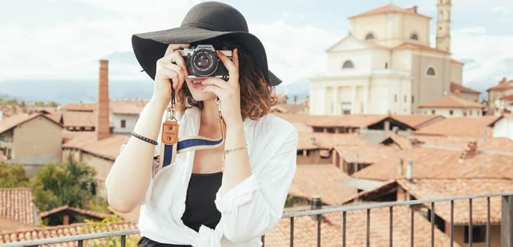devojka fotograf