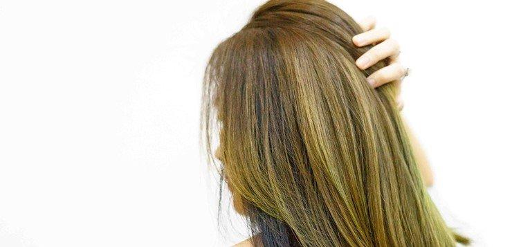 Mašćenje kose - ne pipajte kosu često i perite kosu naopako