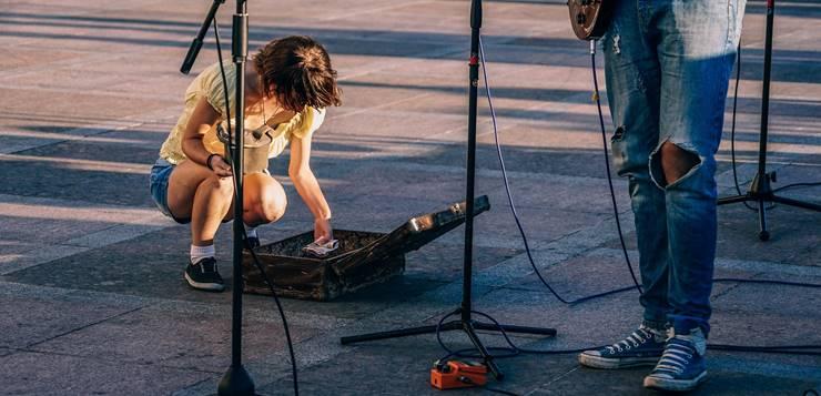Gitarista i devojka