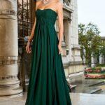 Dugačka tamno zelena haljina sa visokim strukom