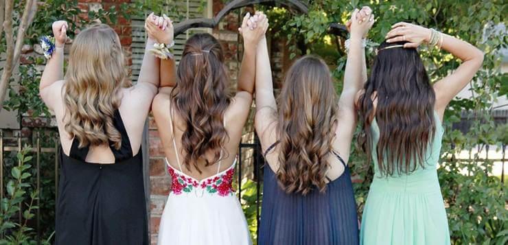 Devojke na maturi u haljinama
