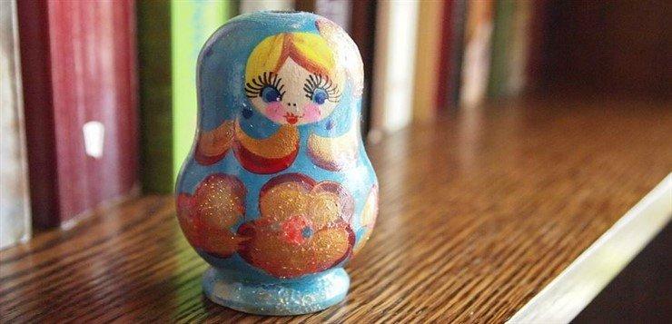 Babuska simbol Rusije. Ruski jezik