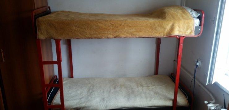 kreveti na sprat u domu - bezbednost