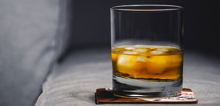 Čaša viskija