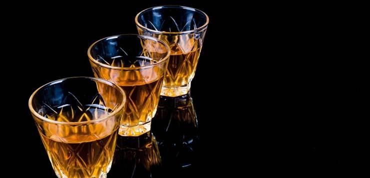 Tri rakijske čašice