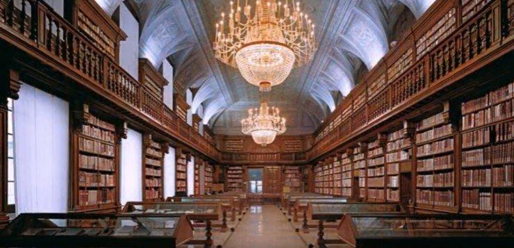 Biblioteka u centru Praga