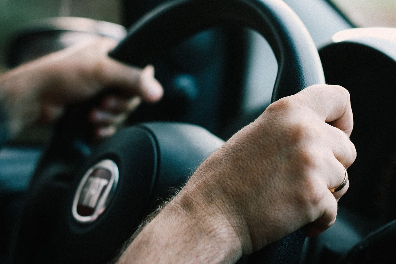 Auto škola - fiat punto vožnja automobila