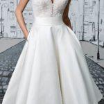 Bela maturska haljina za kruška tip tela