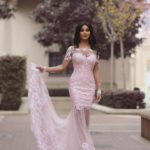 Duga roze haljina za oblik tela peščani sat