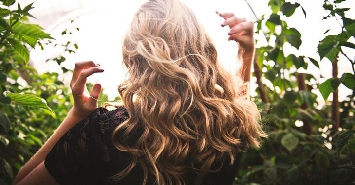Kežual frizura duge kose za maturu