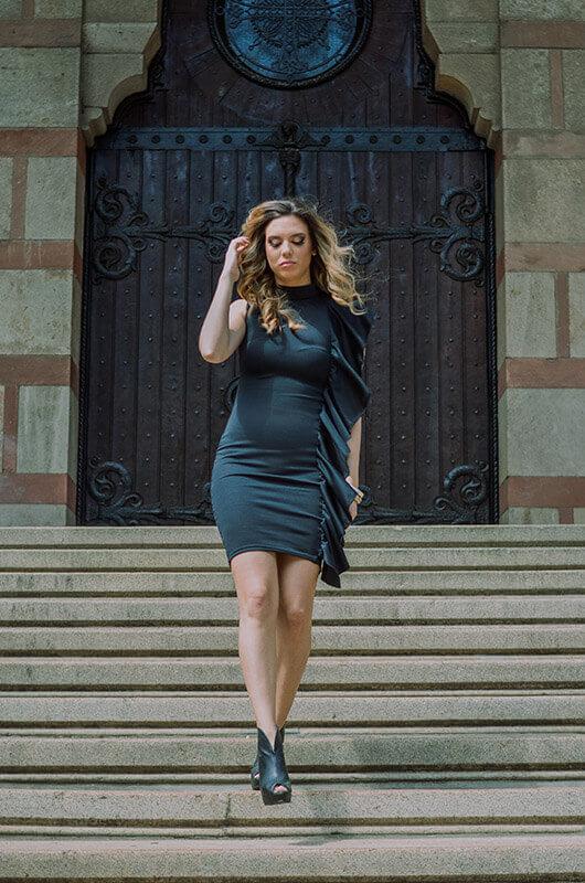 Aduti kratka crna haljina sa karnerom za maturu spreda pokret