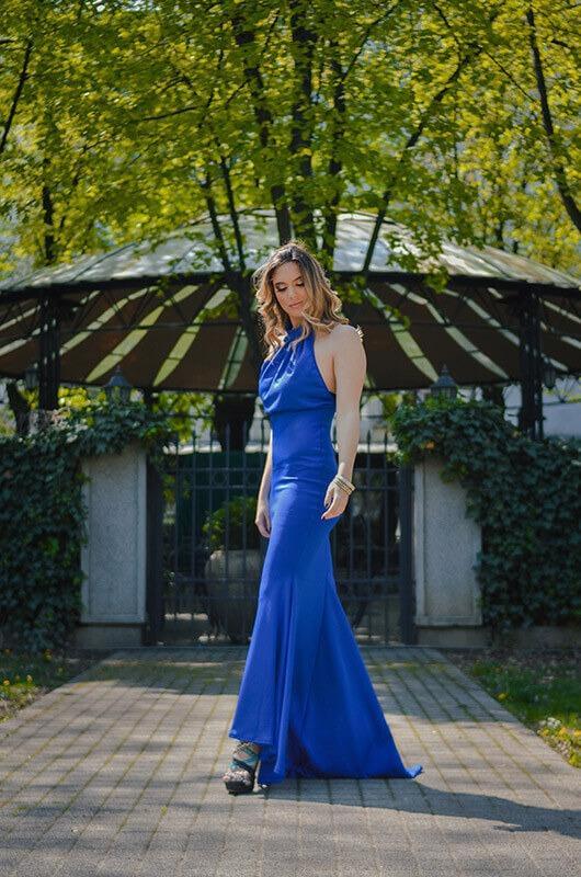 Aduti duga elegantna plava maturska haljina do poda