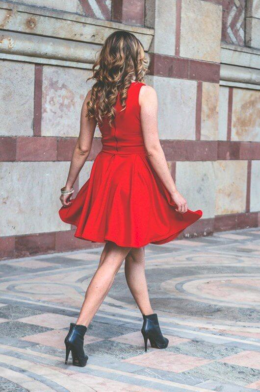 Aduti crvena haljina za matursko veče