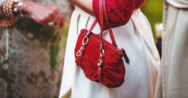 Crvena torbica za maturu