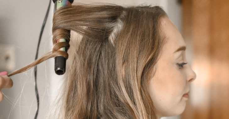 Priprema frizure za maturu