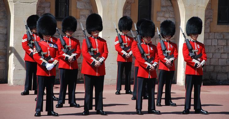 Uniforma pripadnika britanske garde