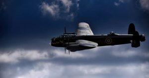 Avion nadleće tokom Drugog svetskog rata