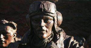 Spomenik britanskom pilotu nakon Bitke za Britaniju